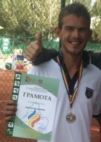 Тренер по большому теннису Евгений